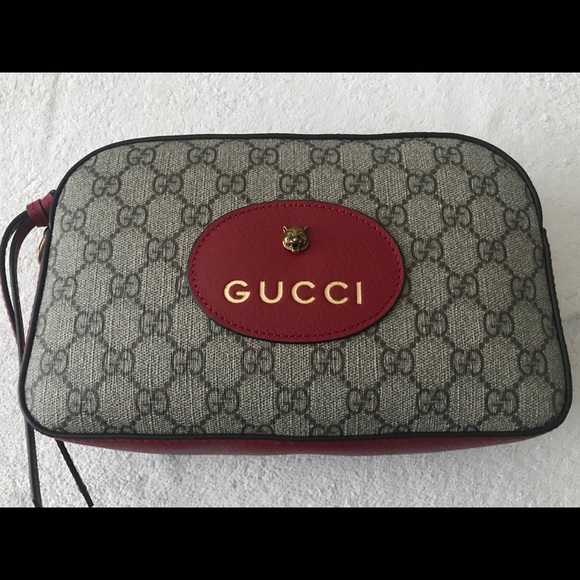 Gucci Handbags - Authentic Gucci gg supreme shoulder bag